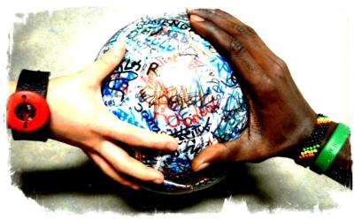 Zwei Hände am Ball