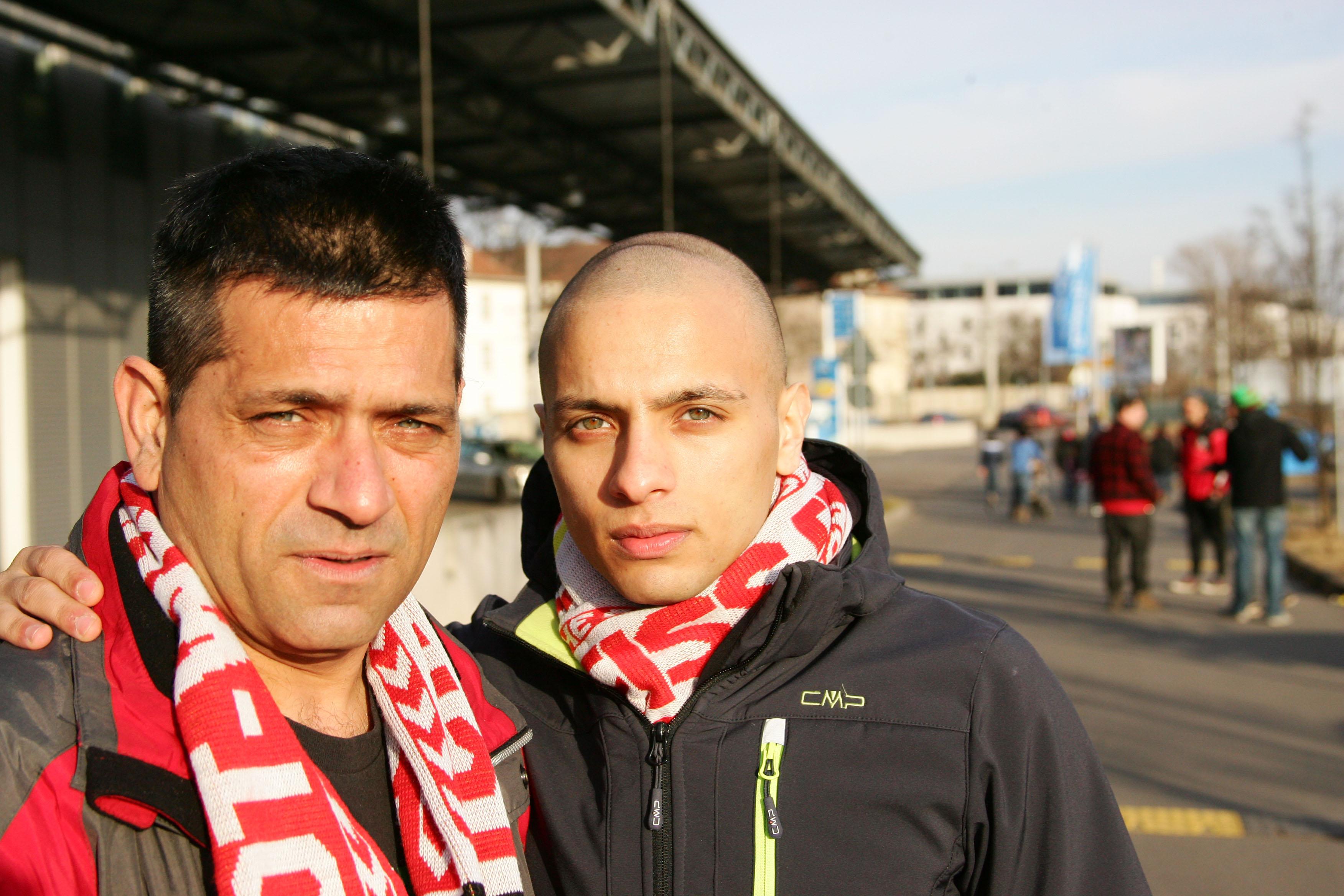 Dragan (l.) und sein Sohn Darko Stojadinovich. Foto: Sylvio Hoffmann