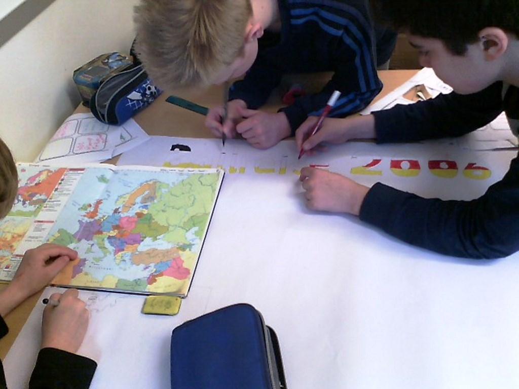 Dienstag: Themenschwerpunkt Ballreise 2006 nach Deutschland. Foto: SoF