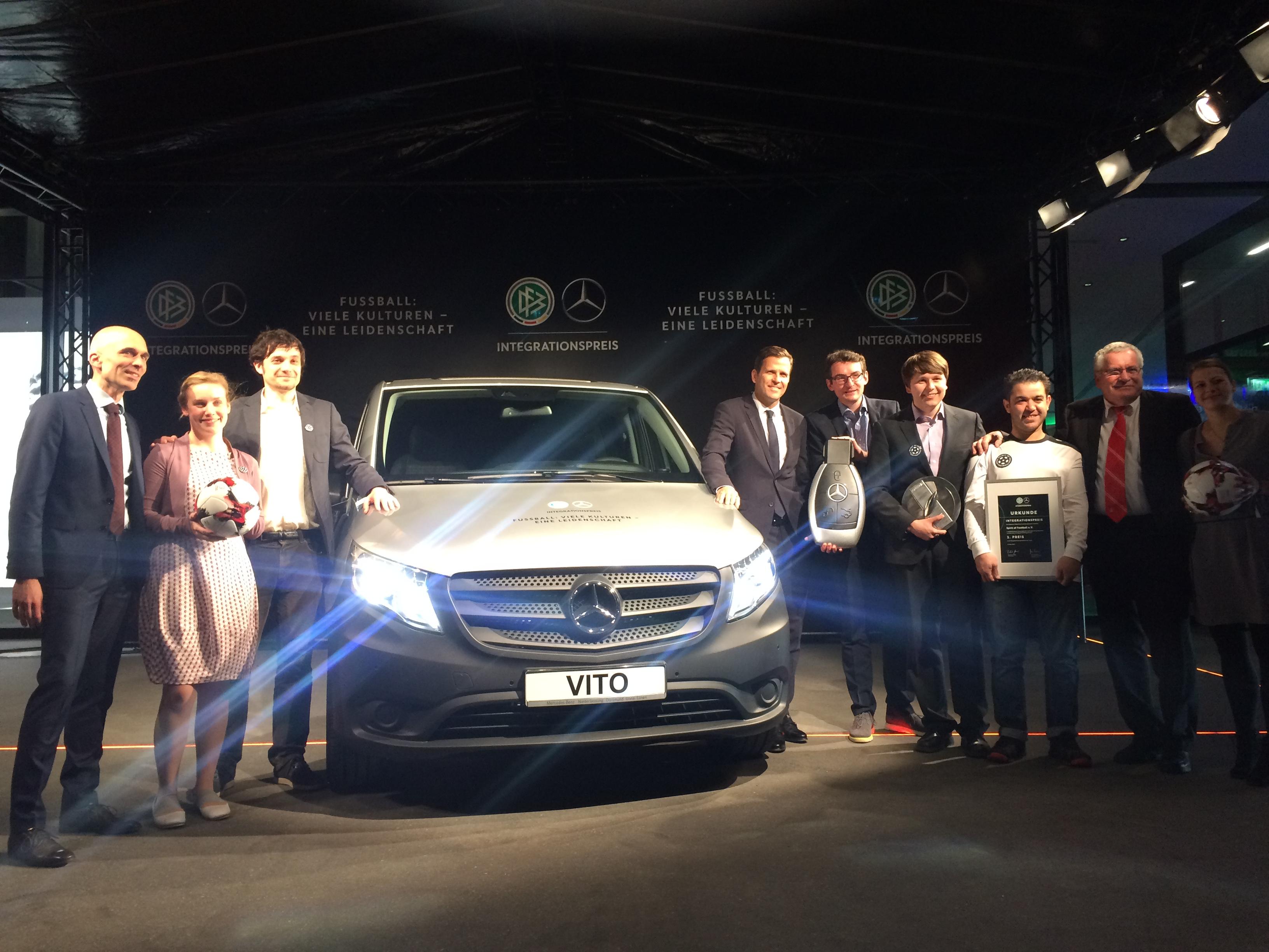 Der Hauptpreis: Ein Mercedes-Benz Vito