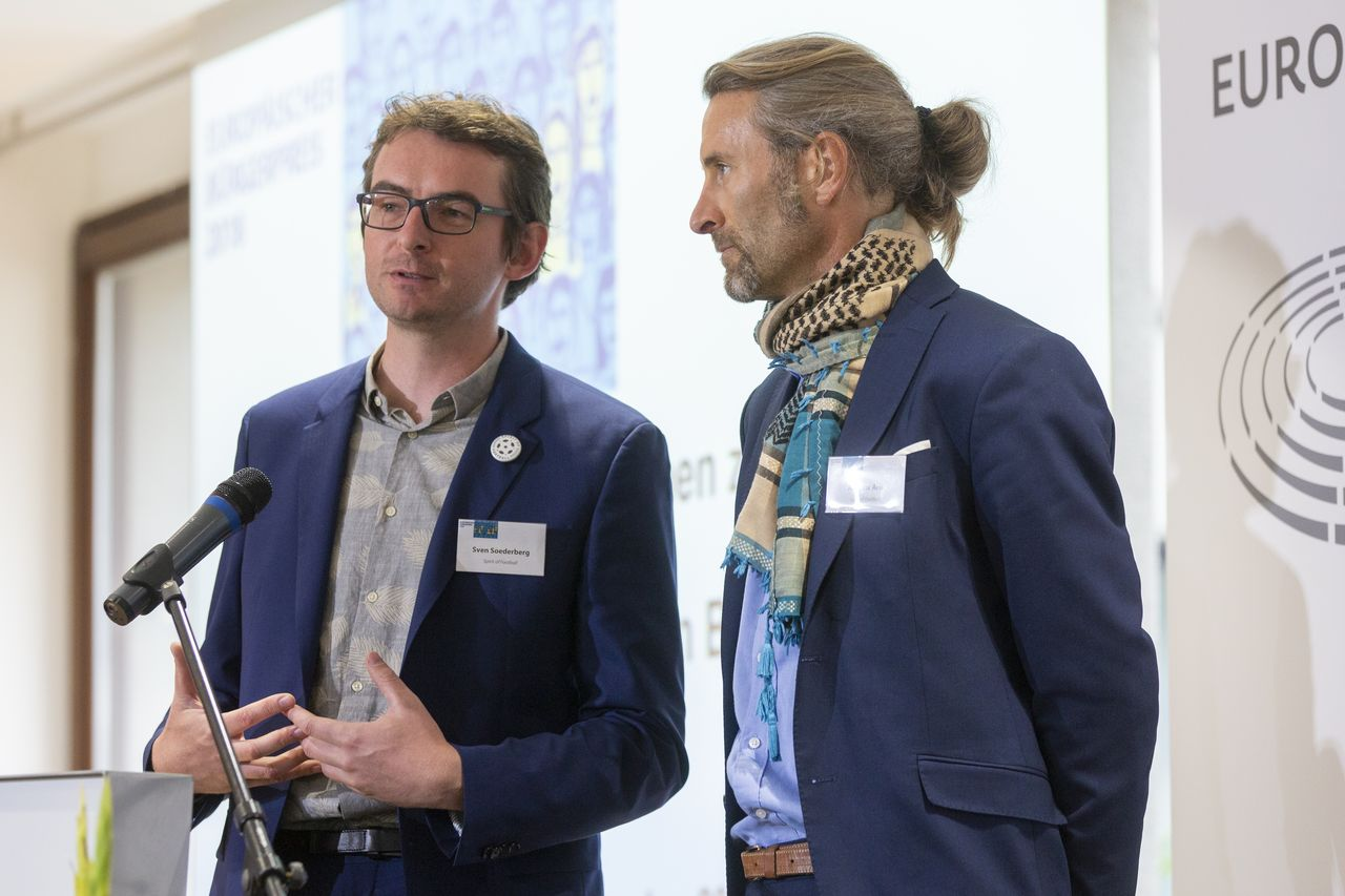 Sven und Andrew bei der Dankesrede. Foto: Christian Thiel